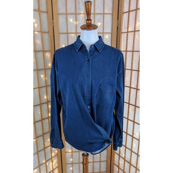 ff7f9be9d4bb37 Vince side button shirt. M 5a999a1b45b30cd3afec20d2